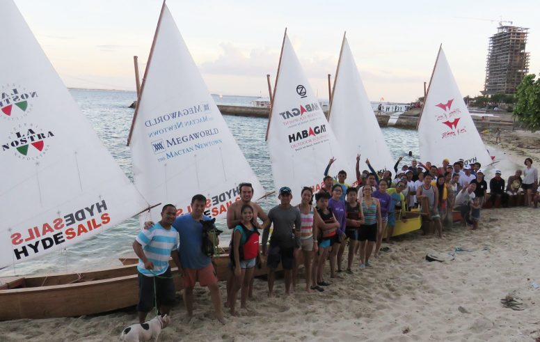 ten-boats-built-in-a-weekend-at-cebu